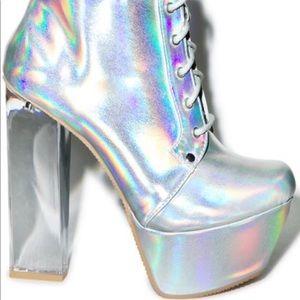 Qupid Prism Monte Heels in Silver